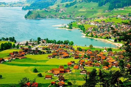 دهکده آپنزل یکی از زیباترین مناطق گردشگری در سوئیس