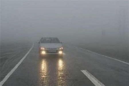 جاده های پرترافیک و بارانی، توصیه ای که به مسافران می شود