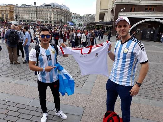 ابراز علاقه هواداران تیم ملی آرژانتین به تیم ایران