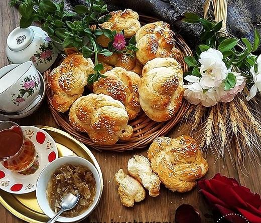 آموزش طرز تهیه نان صبحانه
