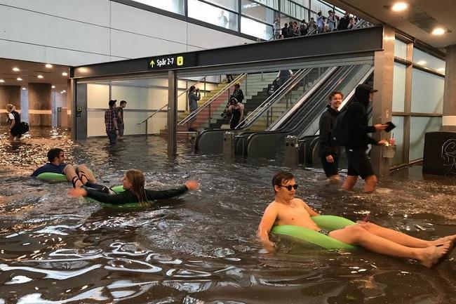 به زیر آب رفتن ایستگاه قطار در سوئد