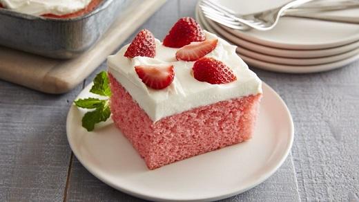 آموزش طرز تهیه کیک توت فرنگی