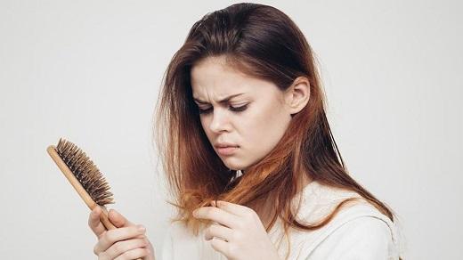 چرا بعد از زایمان موها می ریزد