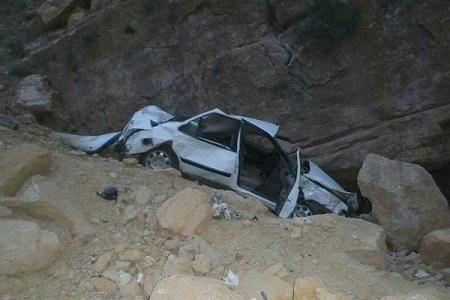 سقوط وحشتناک یک خودرو به دره در جاده چالوس