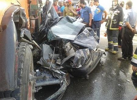 تصادف کامیون با پراید