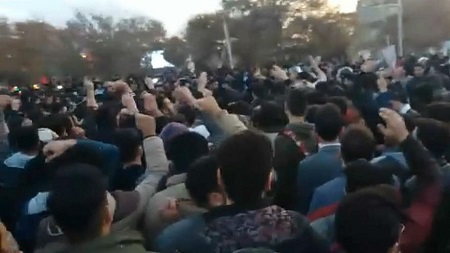 کشته شدن یک جوان ۲۵ ساله در تجمعات کرج