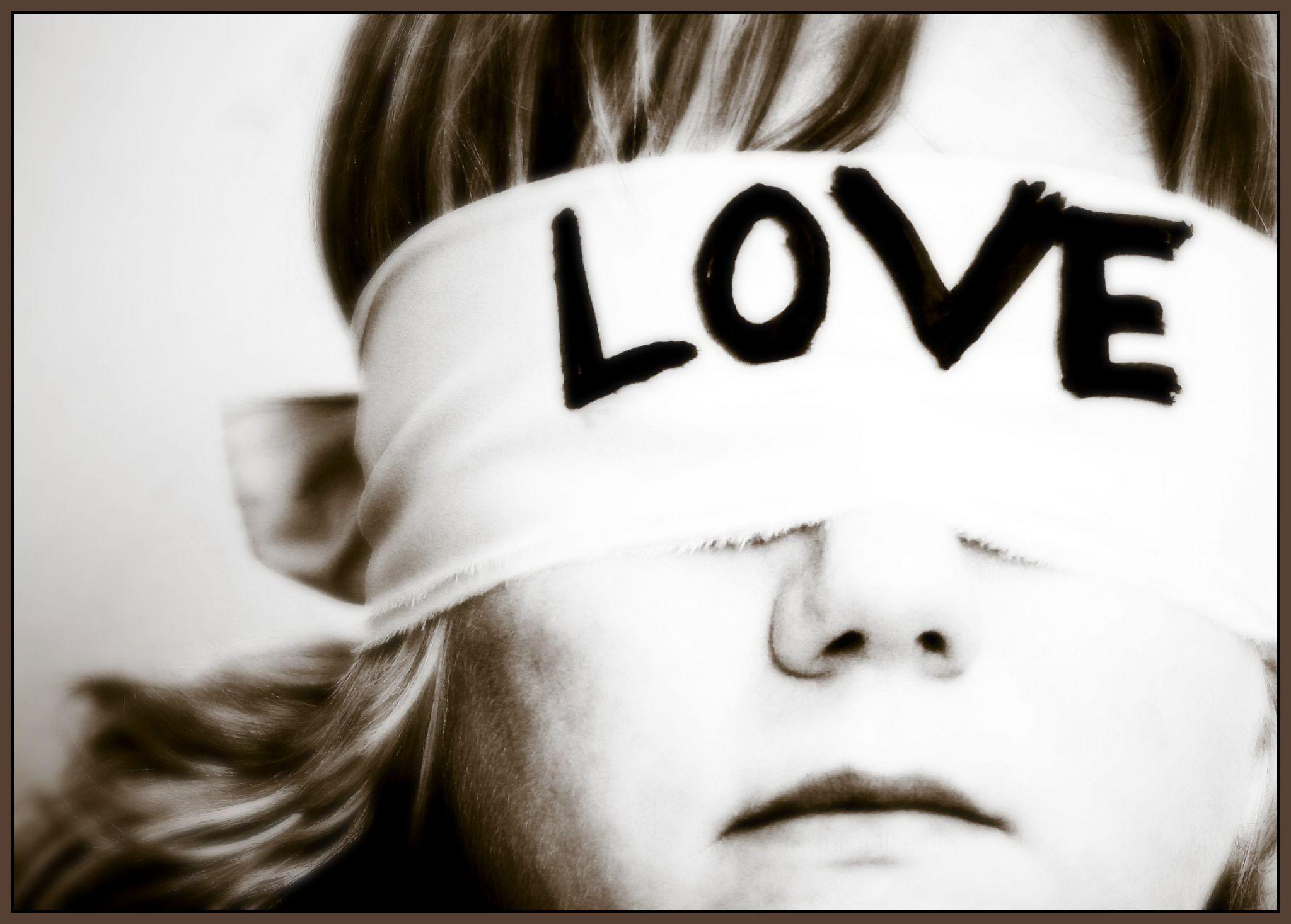 نشانه هایی که می گوید مرد مورد علاقه تان، عاشق شما است یا نه؟!!