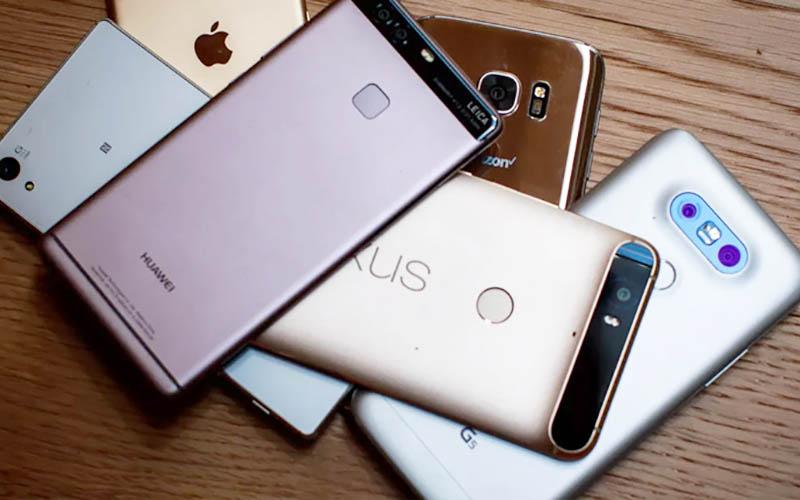 واردات بیش از ۲۱۰هزار دستگاه موبایل در مهرماه سالجاری