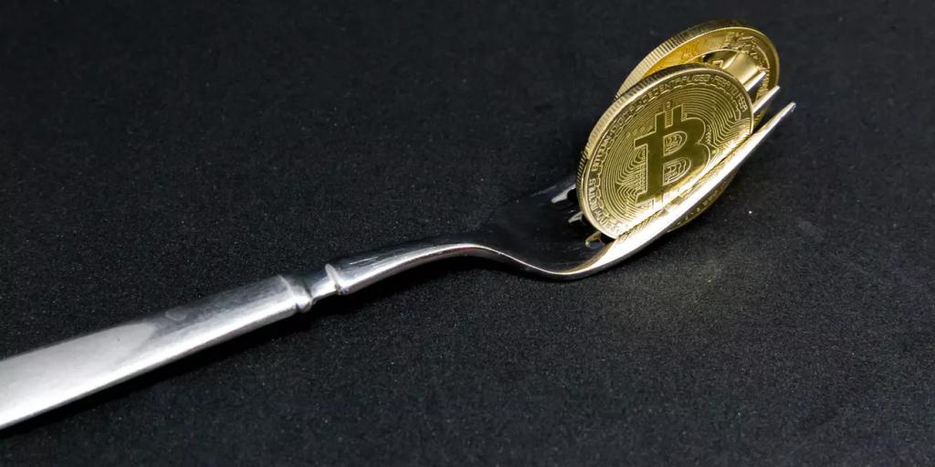 کوین بیس، بایننس و صرافیهای بزرگ ارزهای دیجیتال از فورک بیت کوین کش پشتیبانی میکنند !