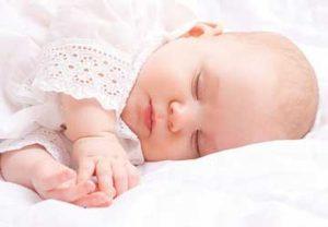 ماجرای بوسه مرگباری که جان نوزاد را گرفت