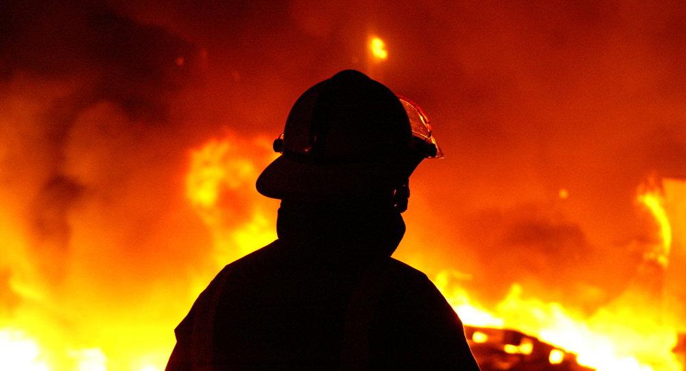 آتش گرفتن دو خودرو در مغازهای در گلستان
